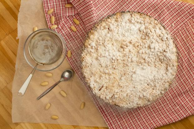 Apricot Almond Crumble Cake