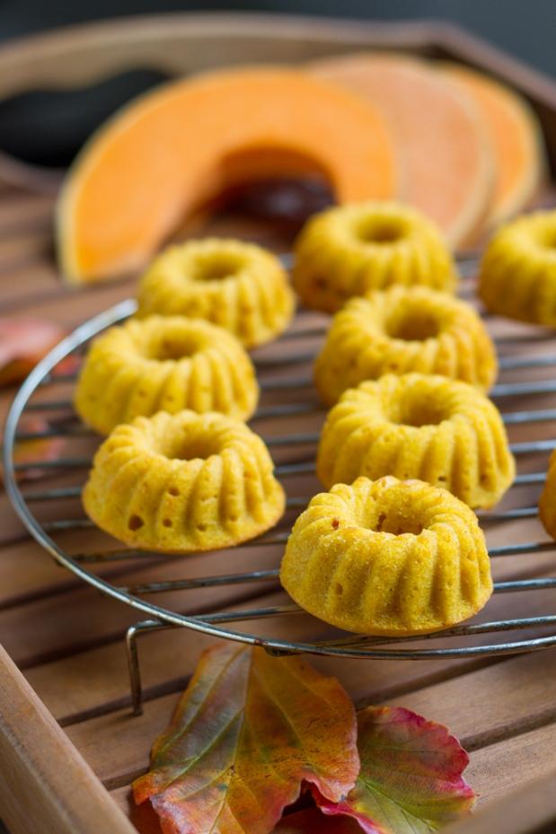 Roasted Pumpkin Gugls (Bundt Cakes)