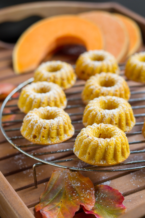 Roasted Pumpkin Gugls (Bundt Cake)